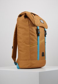Billabong - TRACK PACK - Reppu - gold - 3
