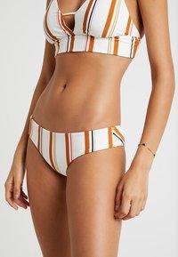 Billabong - SUNSTRUCK HAWAII  BRIEF - Bikiniunderdel - seashell - 3