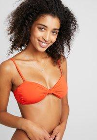 Billabong - S.S KNOTTED  - Top de bikini - samba - 5