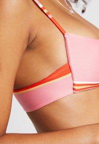 Billabong - TANLINES BRALETTE - Top de bikini - samba - 5