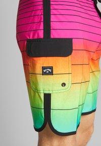 Billabong - STRIPE PRO - Shorts da mare - neon - 2