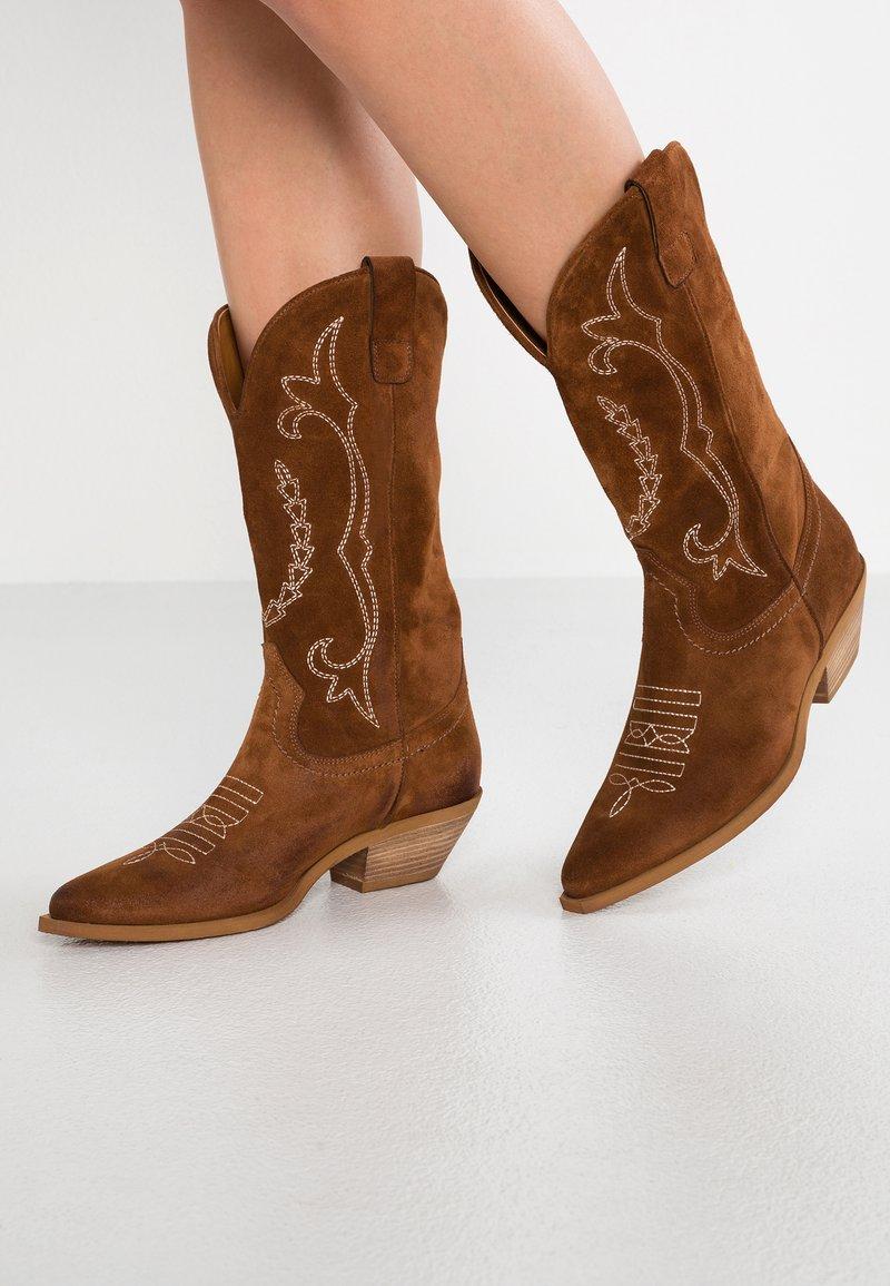 Bianca Di - Cowboy/Biker boots - dark brown