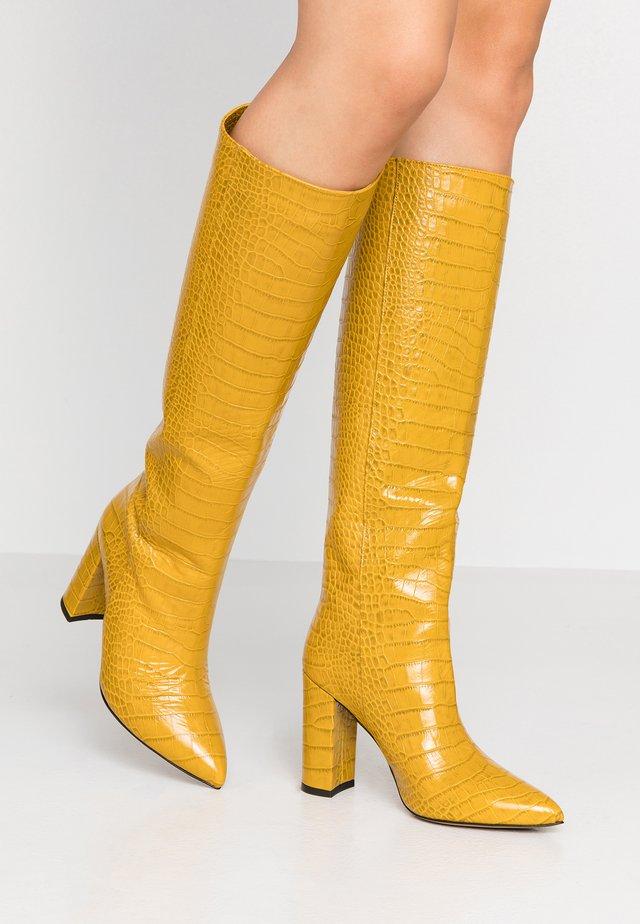 Boots med høye hæler - cocco ocra