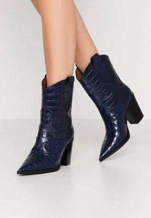 Kovbojské/motorkářské boty - blue