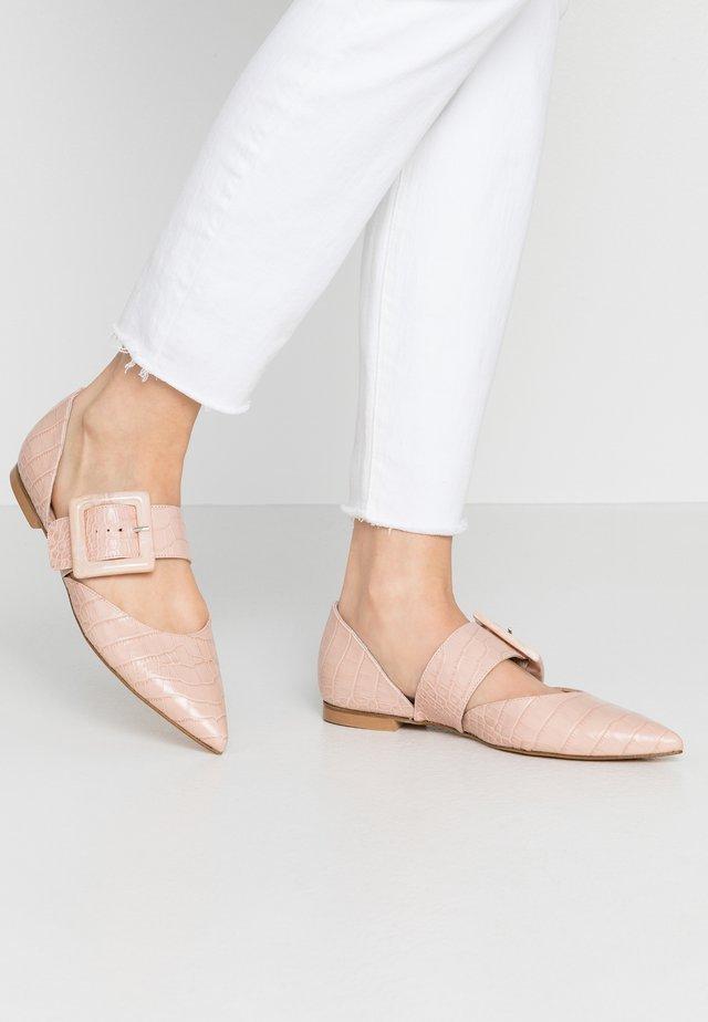 Ankle strap ballet pumps - cipria