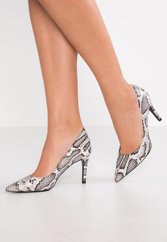 Classic heels - roccia
