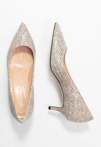 Bianca Di - Classic heels - sabbia - 3