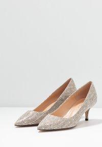 Bianca Di - Classic heels - sabbia - 4