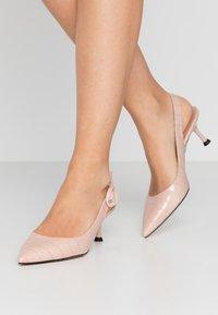 Bianca Di - Classic heels - cipria - 0