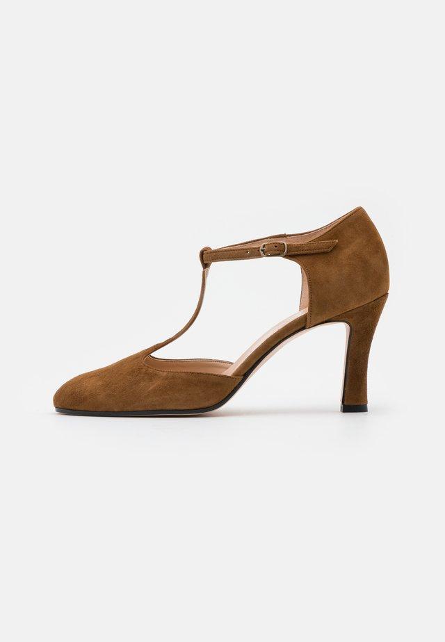 Classic heels - rodeo