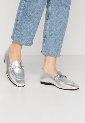 Scarpe senza lacci - argento
