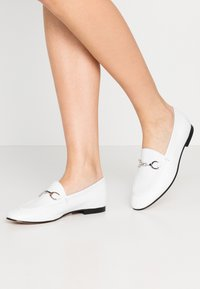 Bianca Di - Loafers - white - 0