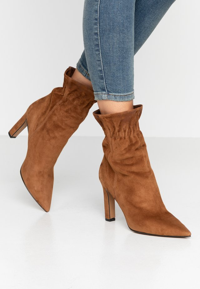 High Heel Stiefelette - rodeo