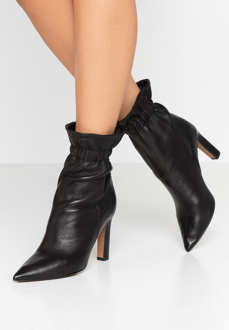 Bianca Di - High Heel Stiefelette - nero