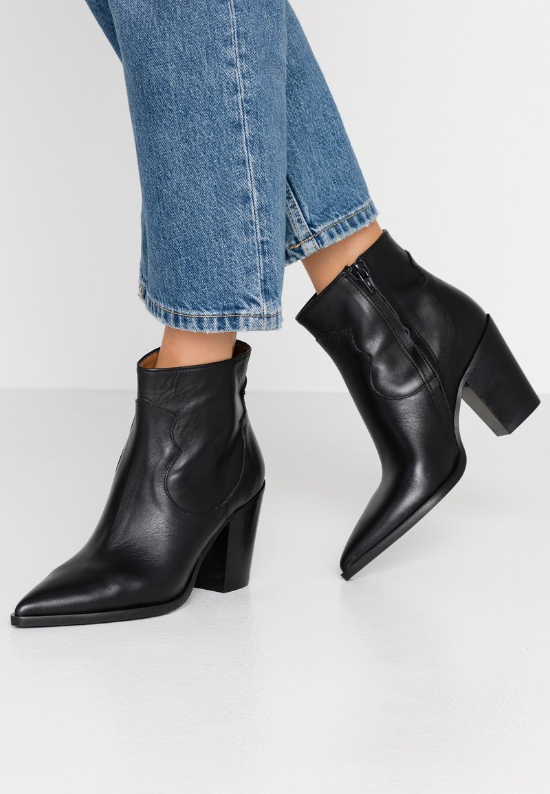 Bianca Di - Ankle Boot - nero