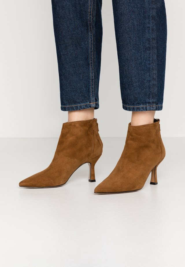 Ankle boots - rodeo