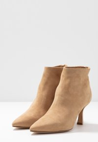 Bianca Di - Ankle boots - sabbia - 4