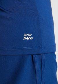 BIDI BADU - BELLA 2.0 TECH NECK TEE - Basic T-shirt - dark blue - 3
