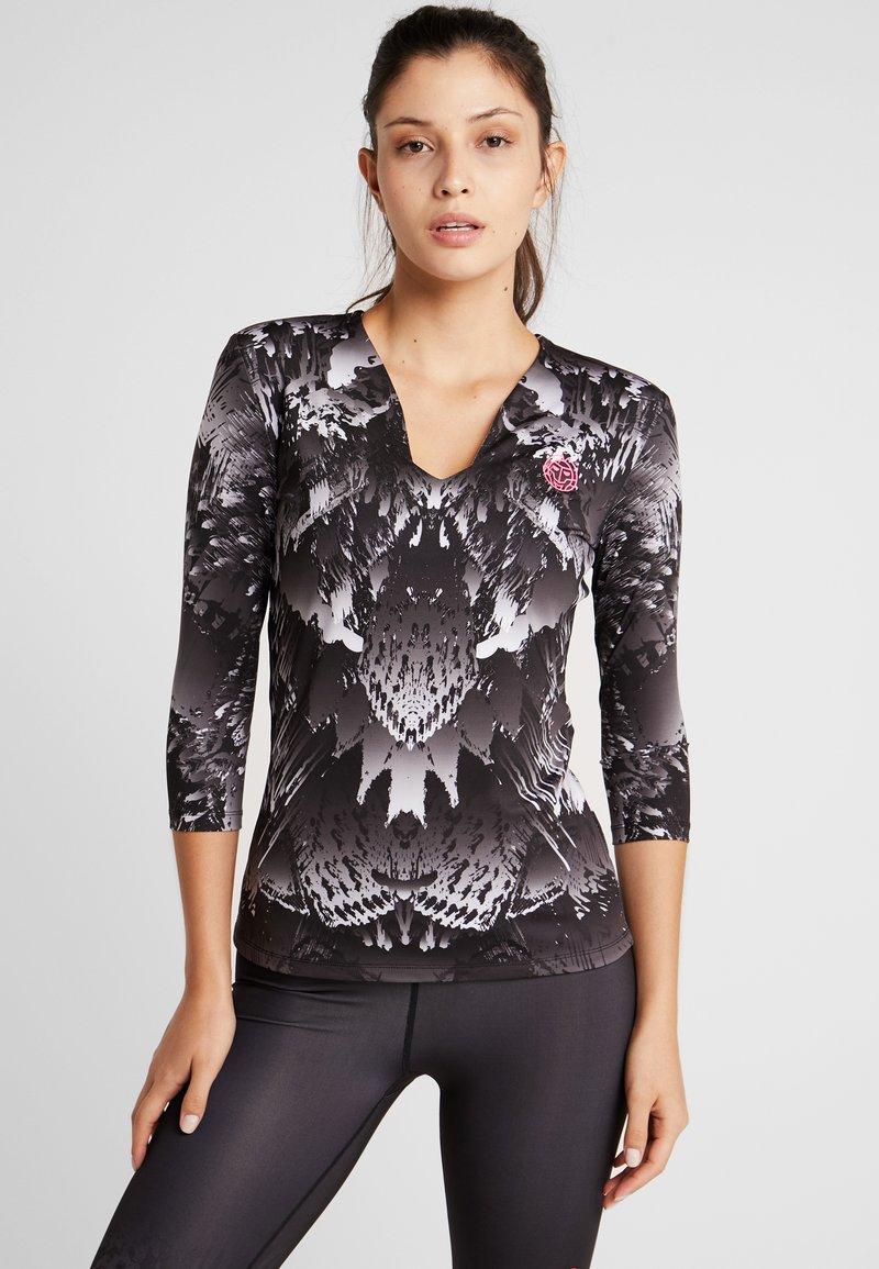 BIDI BADU - ARIANA TECH V-NECK LONGSLEEVE - Pitkähihainen paita - black/white