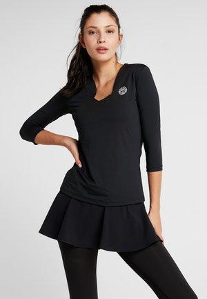 ARIANA TECH V NECK LONGSLEEVE - Long sleeved top - black