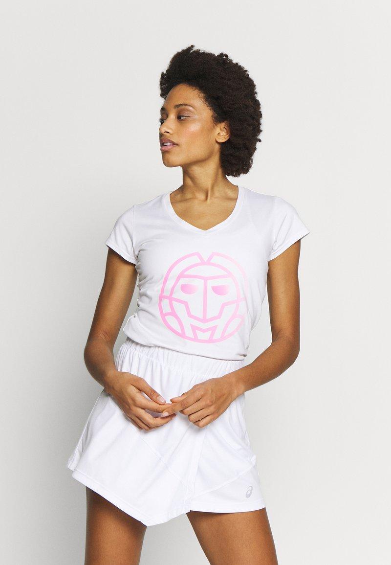BIDI BADU - AFENI LIFESTYLE TEE - Funkční triko - white