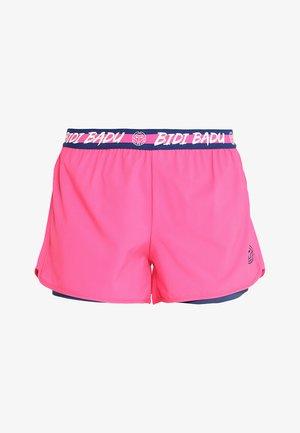 RAVEN TECH  SHORTS 2-IN-1 - Korte sportsbukser - pink/dark blue