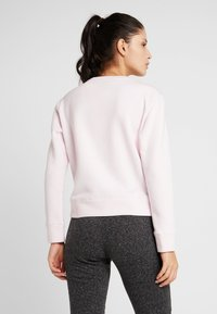 BIDI BADU - MIRELLA BASIC CREW - Sweatshirt - rose - 2