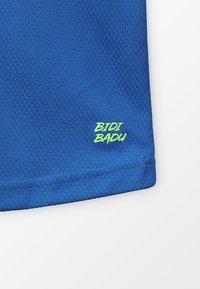 BIDI BADU - EVIN TECH ROUND NECK TEE - Triko spotiskem - blue/neon green - 4