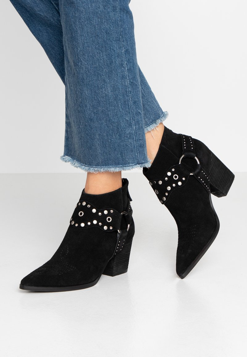 Bibi Lou Wide Fit - Ankle boots - black