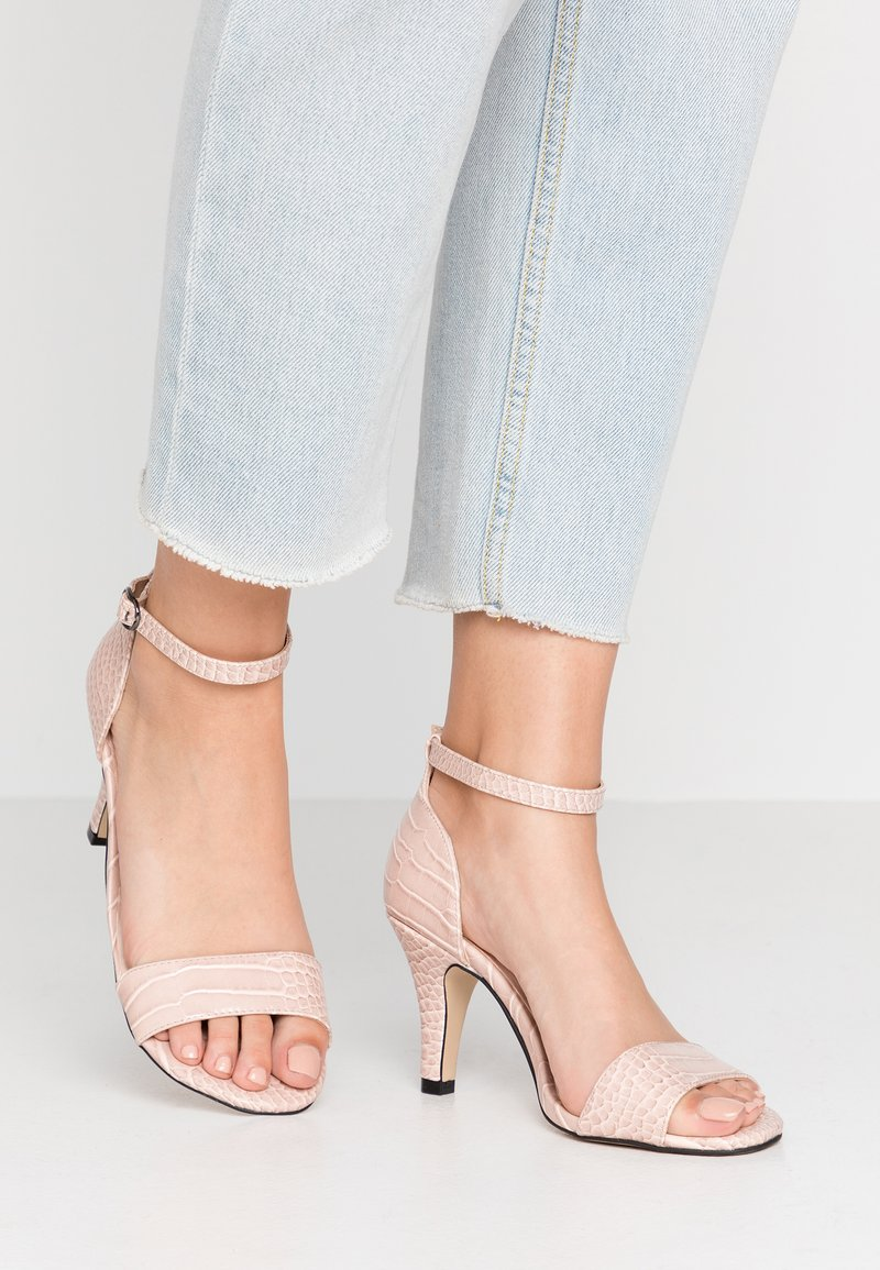 Bianco Wide Fit - WIDE FIT BIAADORE BASIC  - Sandals - nude