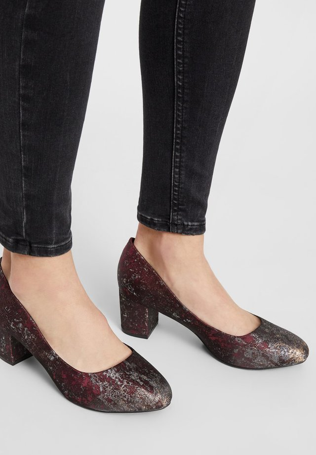 WIDE FIT BIABLANCHE BLOK HEEL - Pumps - winered