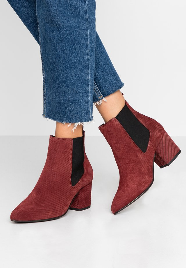 WIDE FIT BIACIA CHELSEA - Ankle boot - burgundy