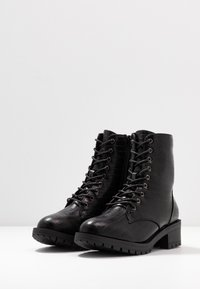 Bianco Wide Fit - WIDE FIT BIACLAIRE CRYSTAL BOOT - Nauhalliset nilkkurit - black - 4