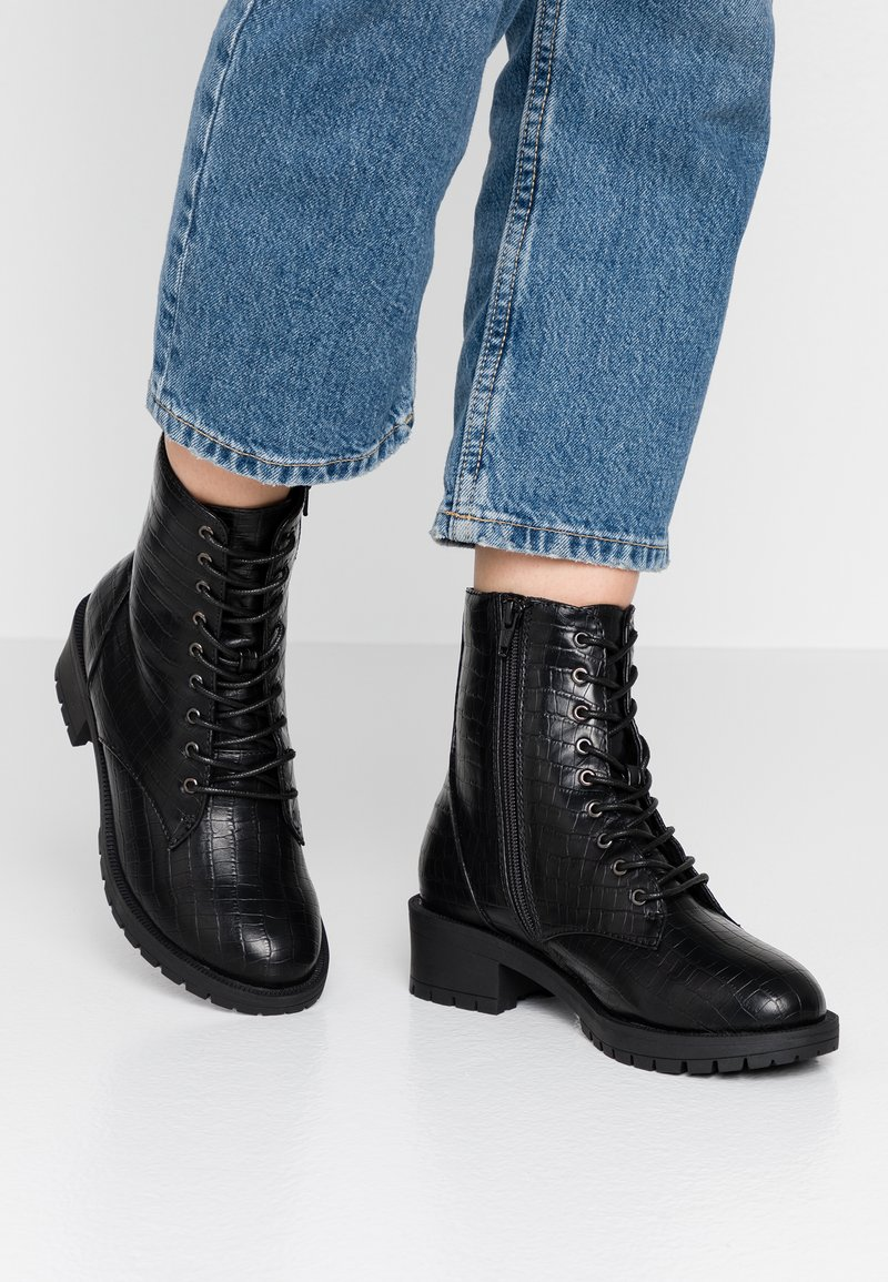 Bianco Wide Fit - WIDE FIT BIACLAIRE CRYSTAL BOOT - Lace-up ankle boots - black