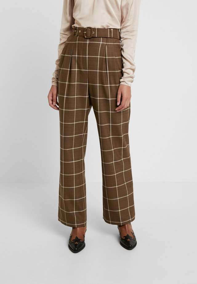 ASHIA PANTS - Trousers - brown