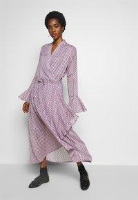 Birgitte Herskind - RILLO DRESS - Maxikleid - pink chain - 0