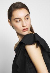 Birgitte Herskind - TAYLOR SHORT DRESS - Cocktailklänning - black - 3