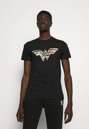 WOMAN UNISEX TEE - Camiseta estampada - black
