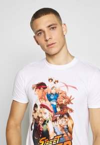 Bioworld - STREET FIGHTER TEE - Triko s potiskem - white - 3