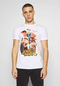 Bioworld - STREET FIGHTER TEE - Triko s potiskem - white - 0