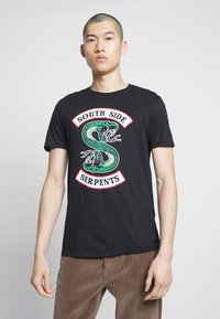 Bioworld - RIVERDALE SOUTH SIDE SERPENTS TEE - Triko s potiskem - black - 0