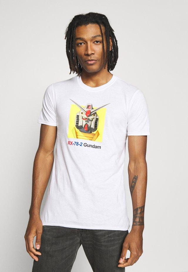 GUNDAM TEE - T-shirt z nadrukiem - white
