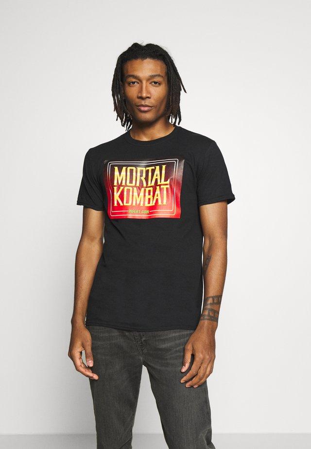 MORTAL KOMBAT ARCADE TEE - T-shirt med print - black