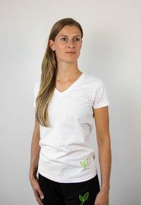Biyoga - Basic T-shirt - weiß - 2