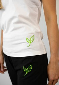Biyoga - Basic T-shirt - weiß - 3