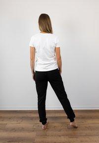 Biyoga - Basic T-shirt - weiß - 1
