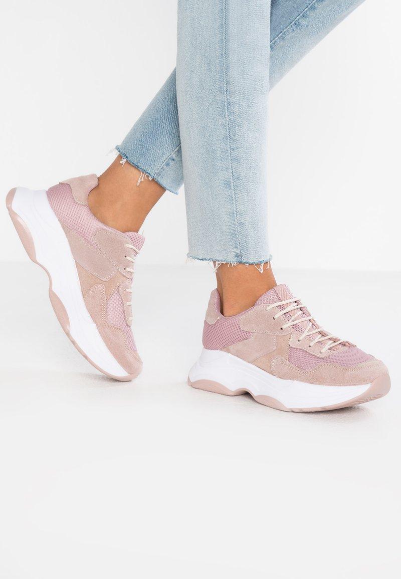 Bianco - CHUNKY STREET - Trainers - light pink