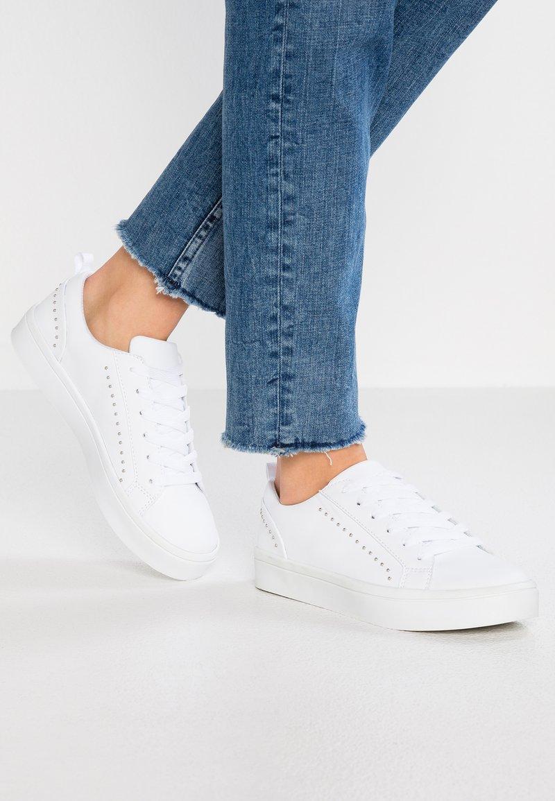 Bianco - BFBIRKA STUDS  - Sneakers - white