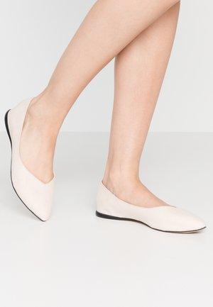 BIACAROL SHOE - Ballet pumps - beige