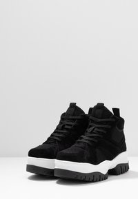 Bianco - BIACOLLEEN CHUNKY HIGHTOP - Ankle boots - black - 4